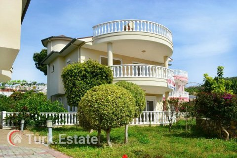 3+1 Villa in Alanya, Turkey No. 1074 - 1