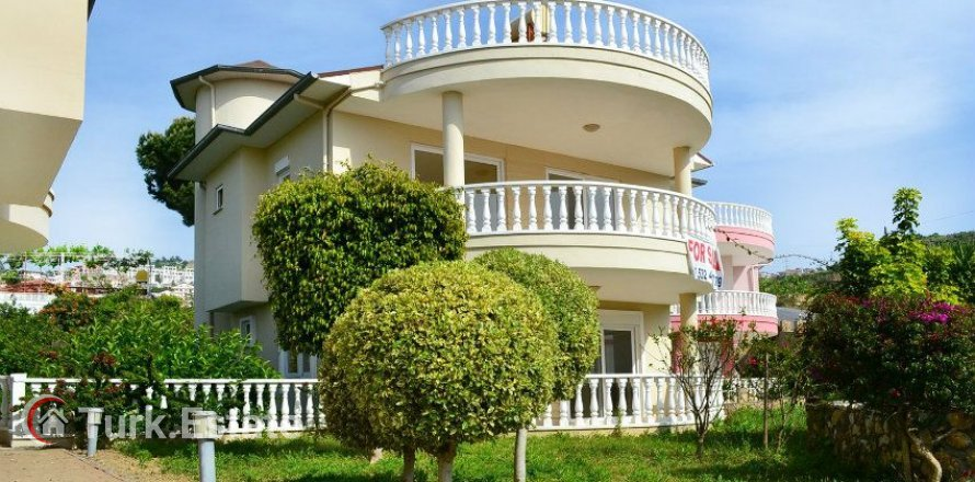 3+1 Villa in Alanya, Turkey No. 1074