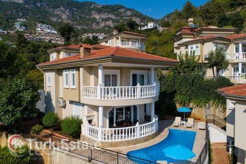 3+1 Villa in Alanya, Turkey No. 537 - 1