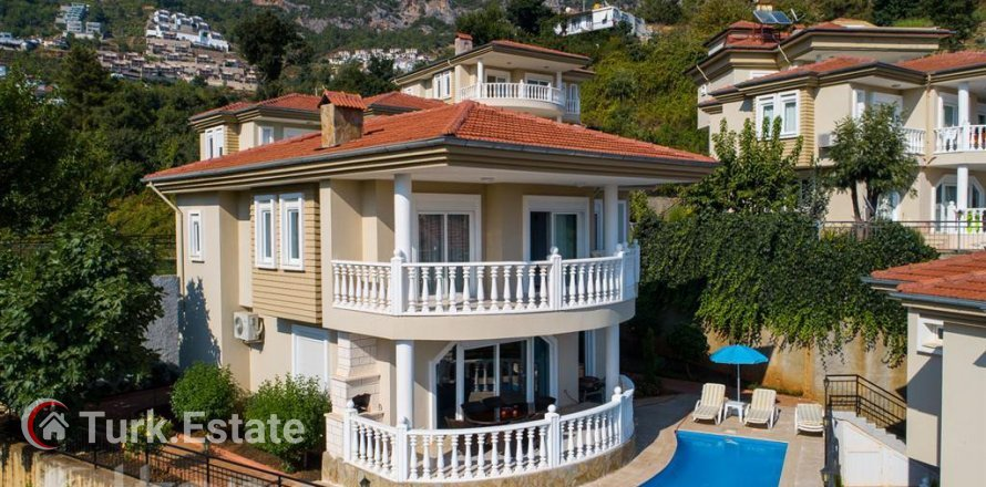 3+1 Villa in Alanya, Turkey No. 537
