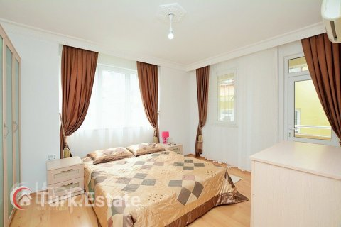 2+1 Apartment in Alanya, Turkey No. 677 - 12