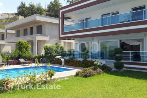 Apartment for sale in Alanya, Antalya, Turkey, 4 bedrooms, 240m2, No. 1056 – photo 1