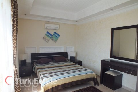 2+1 Apartment in Avsallar, Turkey No. 670 - 16