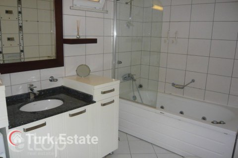 2+1 Apartment in Alanya, Turkey No. 639 - 15