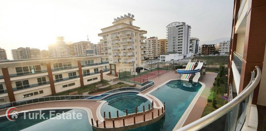 1+1 Apartment in Mahmutlar, Turkey No. 874