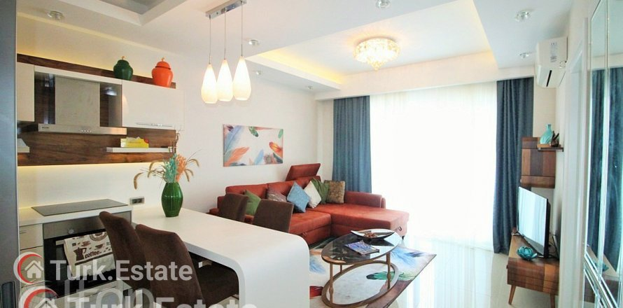 1+1 Apartment in Mahmutlar, Turkey No. 616