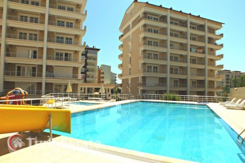 2+1 Apartment in Avsallar, Turkey No. 670 - 1