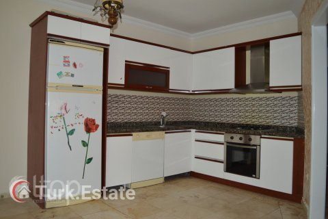 2+1 Apartment in Mahmutlar, Turkey No. 174 - 11
