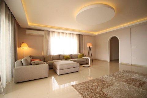 4+1 Penthouse in Mahmutlar, Turkey No. 2869 - 2