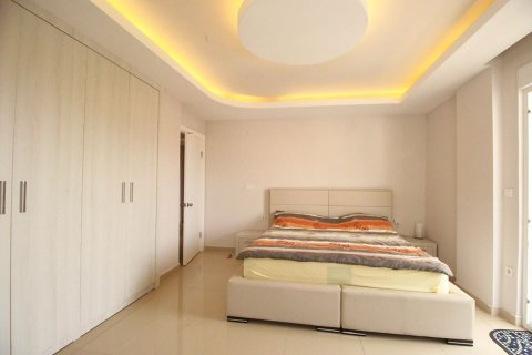 4+1 Penthouse in Mahmutlar, Turkey No. 2869 - 12