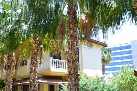 2+1 Villa in Avsallar, Turkey No. 6097 - 4