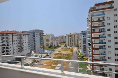 1+1 Apartment in Mahmutlar, Turkey No. 13364 - 13