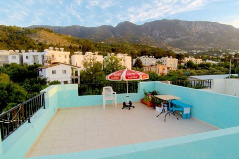 Apartment for sale in Alsancak, Girne, Northern Cyprus, 2 bedrooms, 75m2, No. 16036 – photo 12