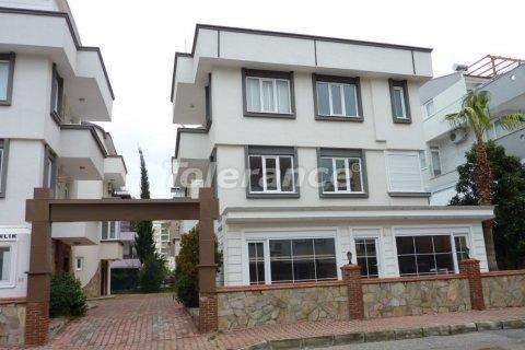 Продажа виллы в Ларе, Анталья, Турция 6+1, 400м2, №3099 – фото 1