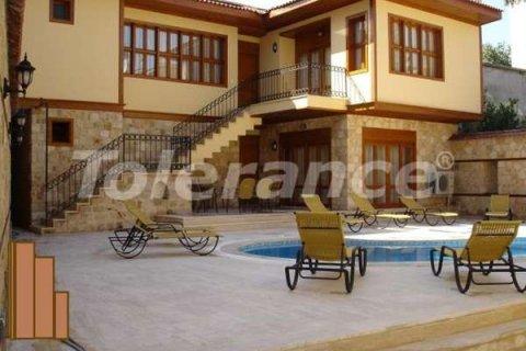 Продажа виллы в Анталье, Турция 7+1, 250м2, №3562 – фото 1