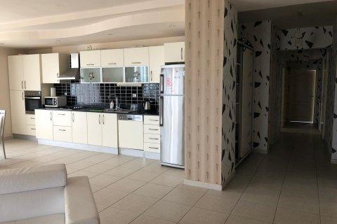 Продажа квартиры в Мерсине, Турция 3+1, 180м2, №2802 – фото 3