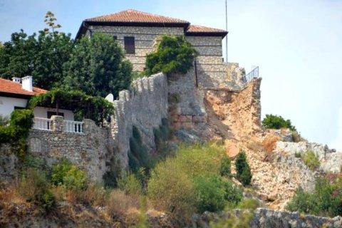 В Аланье государство конфискует частный исторический особняк на крепости