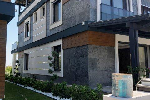 Продажа виллы в Измире, Турция 4+1, 250м2, №12187 – фото 2