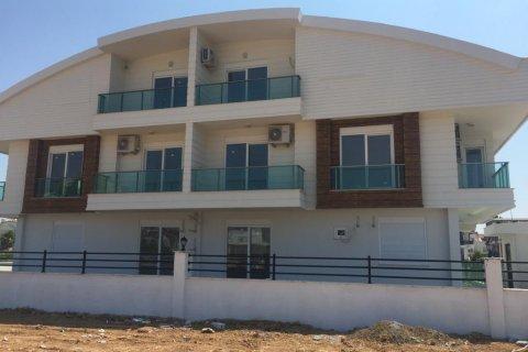 Продажа квартиры в Ларе, Анталья, Турция 1+1, 65м2, №16090 – фото 1