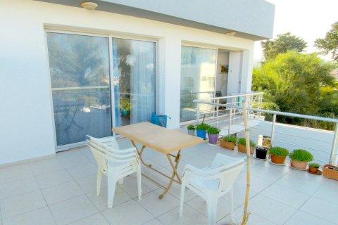 Продажа квартиры в Гирне, Северный Кипр 2+1, 90м2, №16519 – фото 16