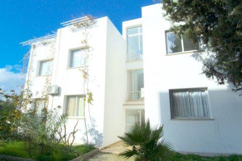 Продажа квартиры в Гирне, Северный Кипр 2+1, 90м2, №16519 – фото 9