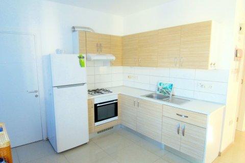 Продажа квартиры в Гирне, Северный Кипр 2+1, 90м2, №16519 – фото 13