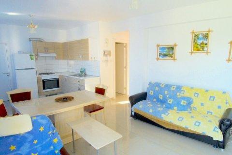 Продажа квартиры в Гирне, Северный Кипр 2+1, 90м2, №16519 – фото 5