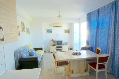Продажа квартиры в Гирне, Северный Кипр 2+1, 90м2, №16519 – фото 3