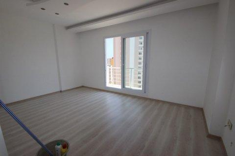 Продажа квартиры в Мерсине, Турция 3+1, 185м2, №21454 – фото 2