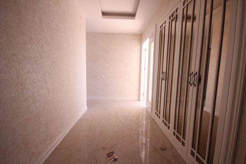 Продажа квартиры в Мерсине, Турция 4+1, 185м2, №21455 – фото 23