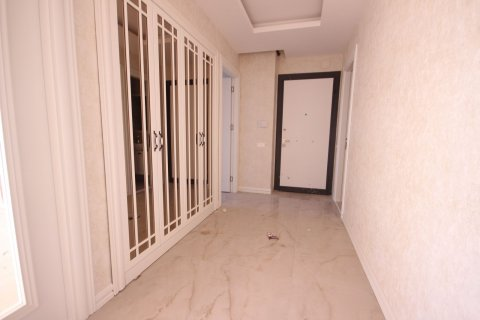 Продажа квартиры в Мерсине, Турция 4+1, 185м2, №21455 – фото 20