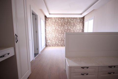 Продажа квартиры в Мерсине, Турция 4+1, 185м2, №21455 – фото 22
