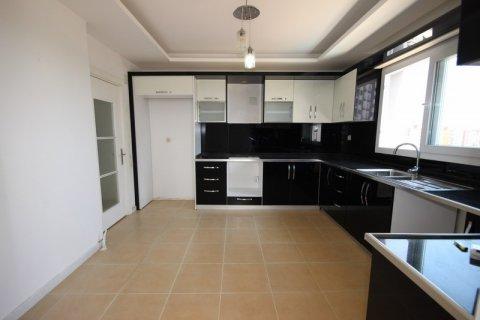 Продажа квартиры в Мерсине, Турция 3+1, 185м2, №21454 – фото 12
