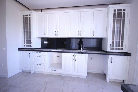 Продажа квартиры в Мерсине, Турция 4+1, 185м2, №21455 – фото 12