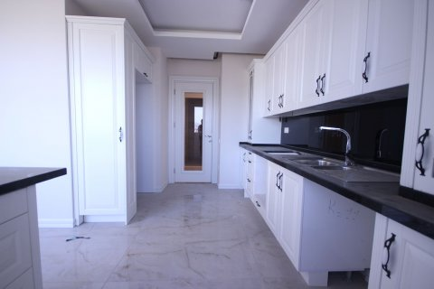 Продажа квартиры в Мерсине, Турция 4+1, 185м2, №21455 – фото 5