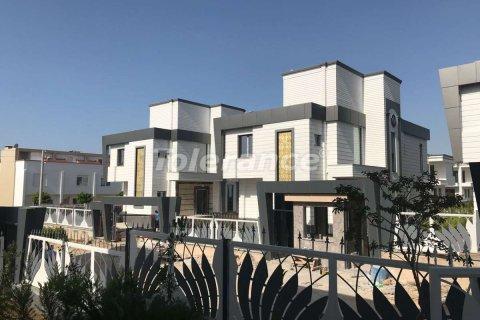 Продажа виллы в Ларе, Анталья, Турция 3+1, 450м2, №3832 – фото 1